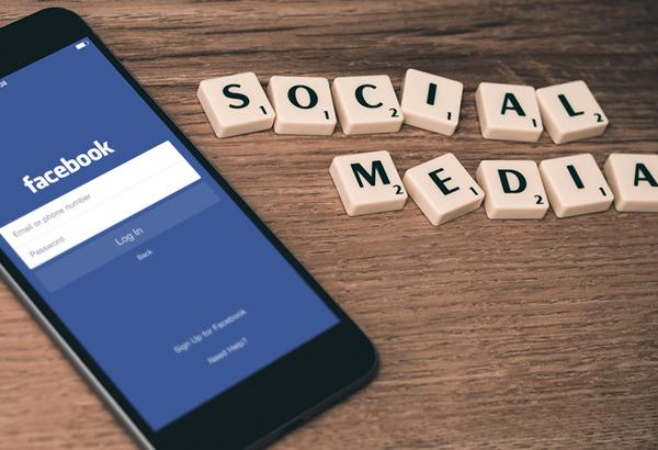 social media - investglass na Facebooku